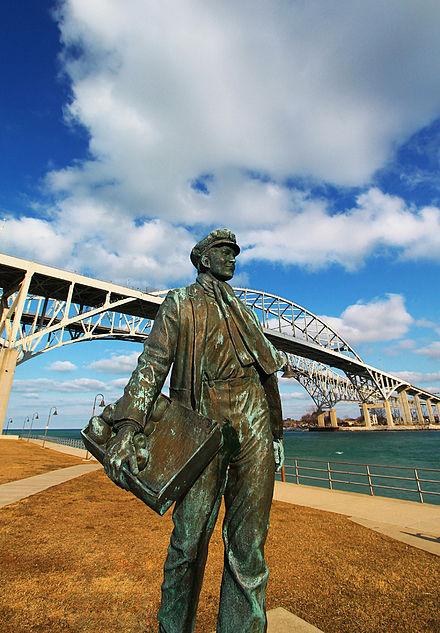 Statue of young Thomas Edison by the railroad tracks in Port Huron, Michigan. Thomas Edison 1.jpg
