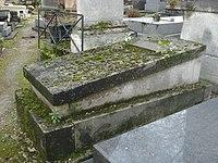 Tombe d'Alexandre Evariste FRAGONARD, sculpteur et peintre, cimetière de Montmartre.JPG