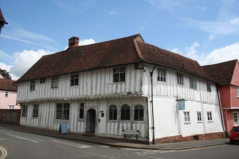 File:Tudor shops, Lavenham.JPG
