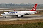 Turkish Airlines, TC-JGU, Boeing 737-8F2 (39244189444).jpg