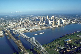 Crescent City Connection - The Crescent City Connection and the New Orleans skyline