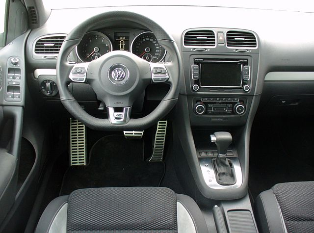 file vw golf vi 1 4 tsi dsg highline r line sharkblue interieur jpg wikimedia commons. Black Bedroom Furniture Sets. Home Design Ideas