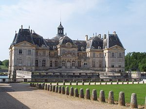 Nicolas Fouquet - Rhythmic massing of the entrance front of Vaux-le-Vicomte.