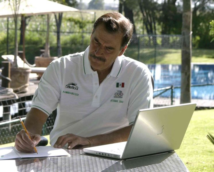 File:Vicente Fox laptop.jpg