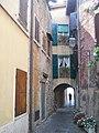 Vicolo Torri del Benaco.jpg