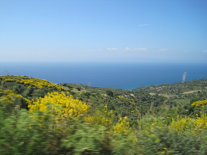 File:View to LESBOS Island Mountains (GR) - panoramio.jpg