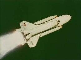 Bestand:Voorbereidingen voor de eerste vlucht van ruimte-vliegtuig 'Enterprise'-32810.ogv