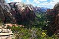 Vue sur la vallée de Zion depuis Angel's Landing -1 (9134630149).jpg