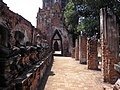 Wat Chaiwatthanaram 2006-02-13 (005).jpg