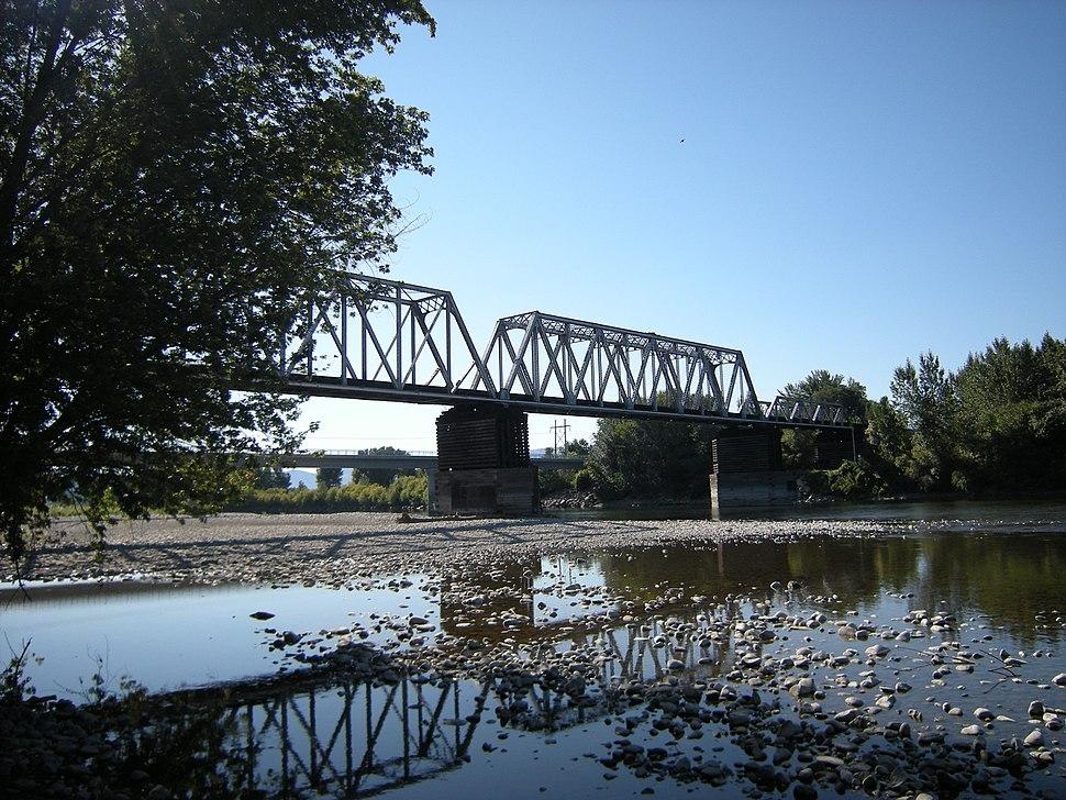 Wenatchee, WA - railway bridge across Wenatchee River