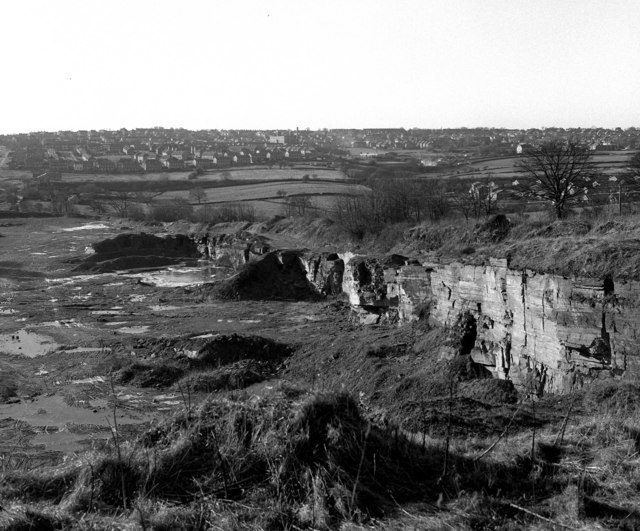 Woodhall Quarries, Fagley, Bradford - geograph.org.uk - 651717