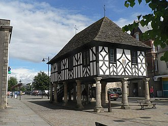 Royal Wootton Bassett - Image: Wootton Bassett, town hall geograph.org.uk 527639