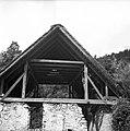 """""""Grušt"""" - vezan na """"trakəlne"""" v zapuščenem mlinu, Dolenji Novaki 1954.jpg"""