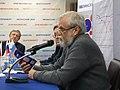 Алексей Мосин говорит о конституции на конференции яблока в Екатеринбурге.jpg