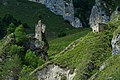 Башня Дисхи и склеп (урочище Дойничу, на месте древнего аула Млзарга).jpg