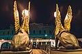 Грифоны банковского моста в Петербурге.jpg