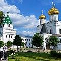 Ипатьевский монастырь в Костроме, вид на собор.jpg