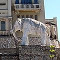 Слон перед дачей Головкина (правый).jpg