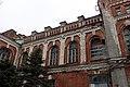 Фрагмент фасада главного корпуса Казенных винных складов.jpg