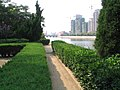 山东省文登市区抱龙河向西方向 中午时这里噪音22-29分贝 - panoramio.jpg