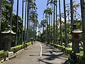 行忠公園入口的淡水神社石燈座.jpg