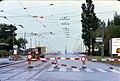 024L32050876 Einsturz der Reichsbrücke, Auffahrt Brücke, Blick stadteinwärts.jpg