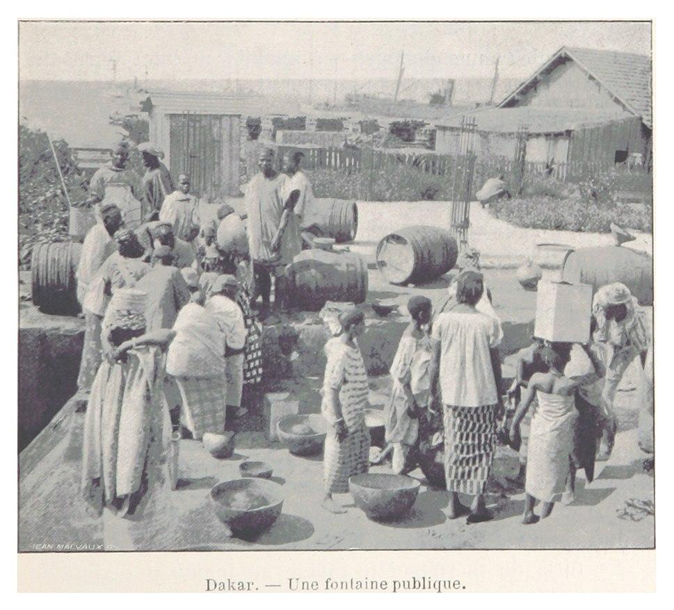061 Dakar. - Une fontaine publique