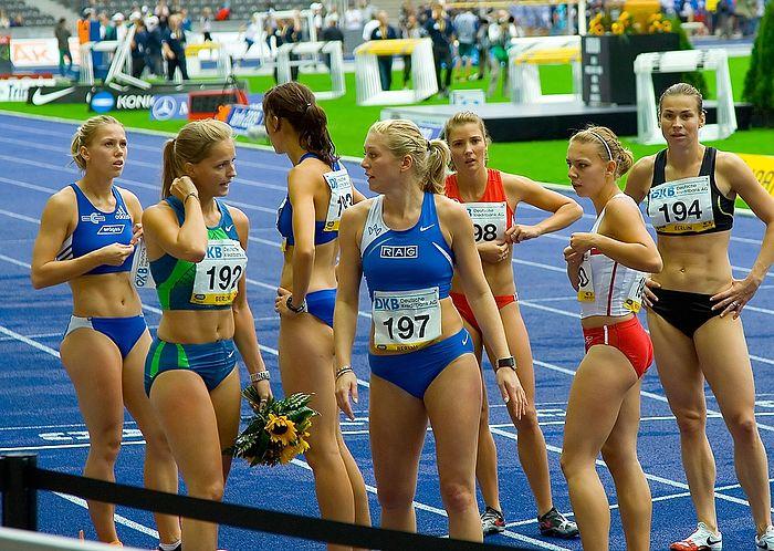 100 metres race winner Sina Schielke (192) and the other Runners - ISTAF 2006 - Berlin, 3 September.jpg