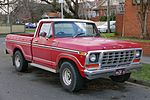 1978-1979 Ford F100 Custom XLT 2-door utility (2015-07-03) 01.jpg
