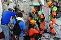 2010년 중앙119구조단 아이티 지진 국제출동100118 중앙은행 수색재개 및 기숙사 수색활동 (223).jpg