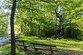 2017-05-10 Naturdenkmal 1 Stieleiche mit Andachtsstätte 2.jpg