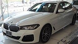 2021 BMW 5-Series 520d M Sport.jpg