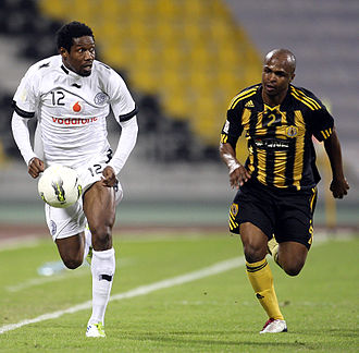 Abdul Kader Keïta - Keïta (left) during a Qatari league match.