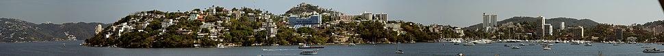 360° panoramic view of Acapulco.