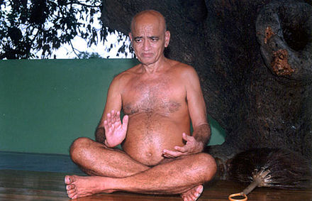 Acharya Vidyasagar, a possessionless and detached Digambara Jain monk Acharya5.jpg