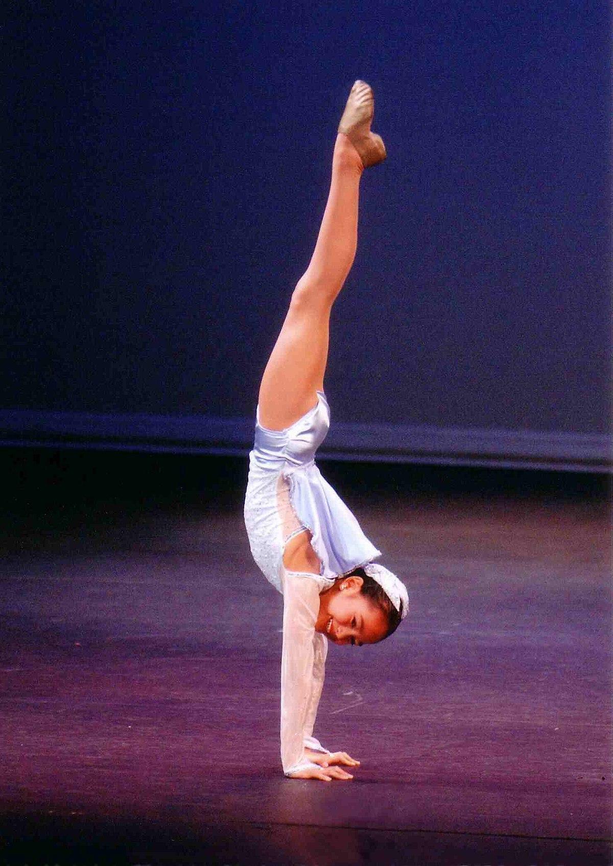 Image forward roll jpg gymnastics wiki - Image Forward Roll Jpg Gymnastics Wiki 10
