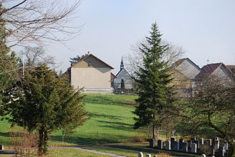 Aedermannsdorf - Village chapel, graveyard and houses