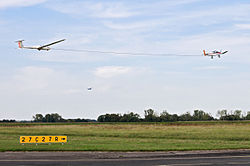 Aerotowing glider remorquage planeur.jpg