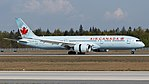 Air Canada Boeing 787-9 (C-FRSO) at Frankfurt Airport.jpg