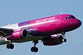 Airbus A320-200 HA-LPH WizzAir (3469098327).jpg