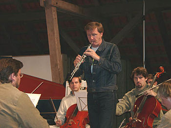 Albrecht Mayer playing the oboe.