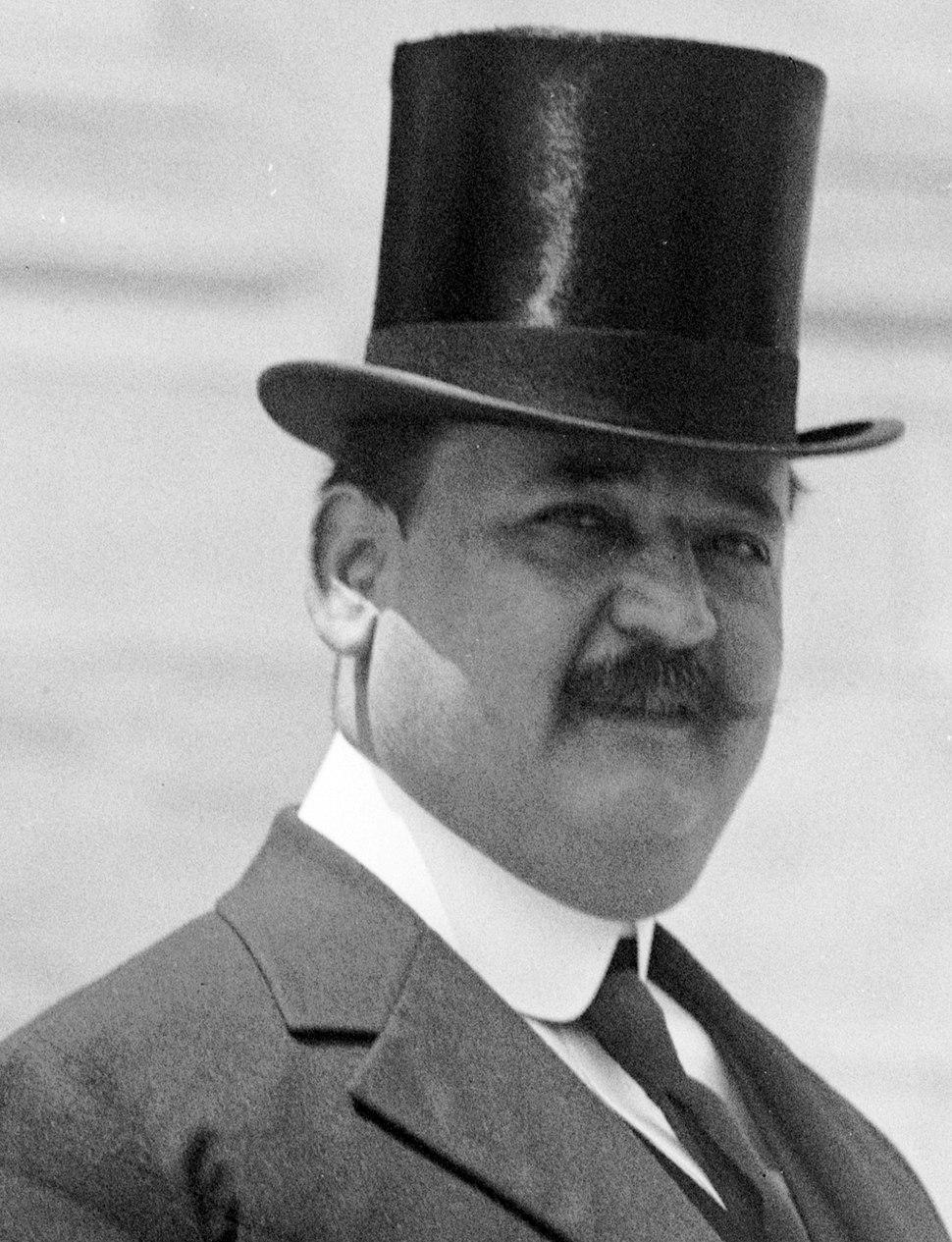 Alfonso Qui%C3%B1%C3%B3nez Molina 1915