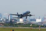 All Nippon Airways, B 777-200, JA8197 (17156269879).jpg