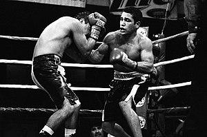 Mike Anchondo - Anchondo (right) vs. Gregorio Vargas, 2003