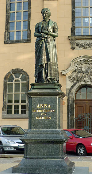 Anne of Denmark, Electress of Saxony - Statue of Anna of Denmark in Dresden