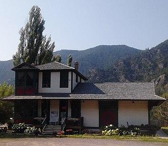 Alberton, Montana - Antique Shop in Alberton, Montana