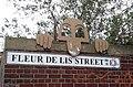 Artistic street sign, Fleur De Lis Street E1 - geograph.org.uk - 1259810.jpg