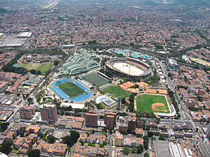 Atanasio Girardot Sports Complex - Image: Atanacio girardot antes de la apertura de los juegos flopped