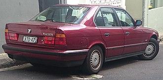 BMW 5 Series (E34) - 520i sedan