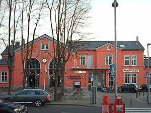 Deutz–Gießen railway - Hennef station building